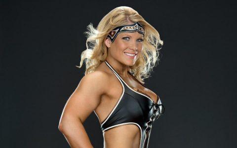 WWE最花心的几位女选手,结果居然都和CM朋克交往过!