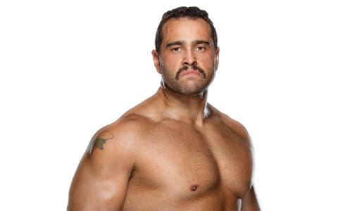 前WWE选手鲁瑟夫加盟AEW!入职第一件事先喷老东家?