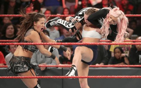 WWE2019 RAW第1343期(中英文解说+字幕)