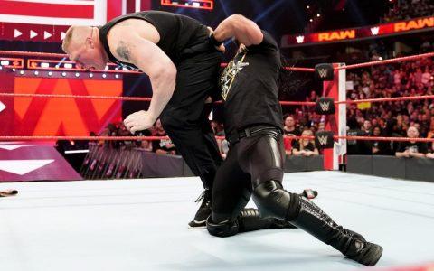 昨日RAW原计划竟是布洛克莱斯纳完虐赛斯罗林斯
