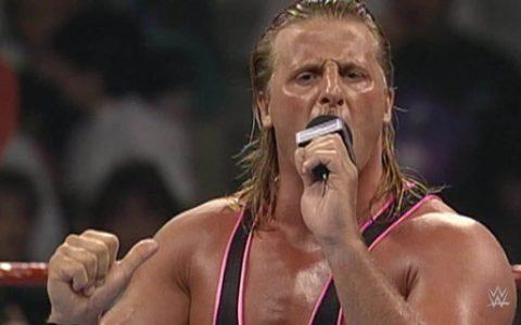 """WWE史上最黑暗一天著名巨星""""欧文哈特""""出场意外坠落身亡"""
