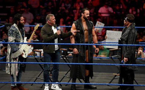 WWE剧情全靠大公子一人领衔两大剧情,有点当时老麦的本事