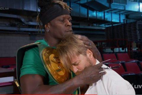 曾遭嫌弃的WWE247冠军头衔竟撑起节目的半边天