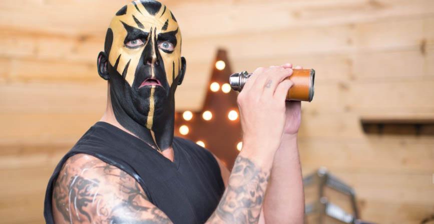 """摔角巨星揭露他离开WWE的原因""""他们非常非常艰难……"""""""