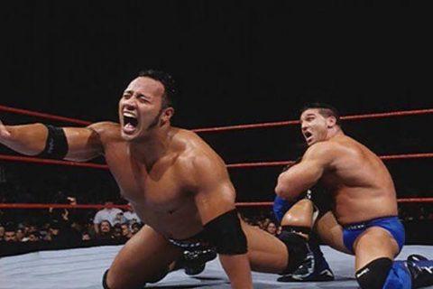 """曾经让WWE巨星""""巨石强森""""无数次拍地求饶的他即将回归摔角"""