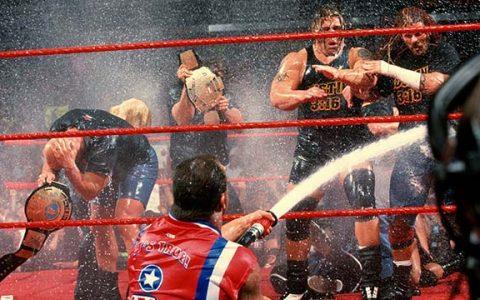科特安格将在下周RAW出场,并宣布退役赛的对手是谁