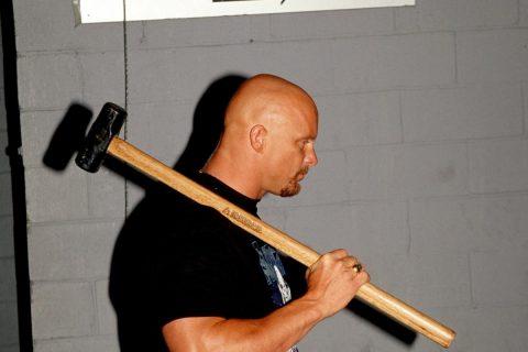 基本确定冷石回来全职打WWE比赛是不可能了!