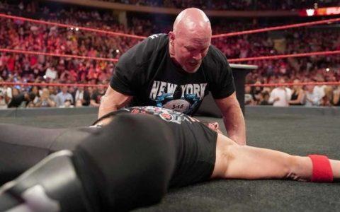 WWEraw结束后aj斯泰尔斯和冷石奥斯汀擂台对饮,结局你懂的