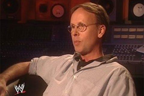 作曲家吉姆约翰斯顿为PCO谱写主题曲以及为WWE的超级巨星们做出的贡献
