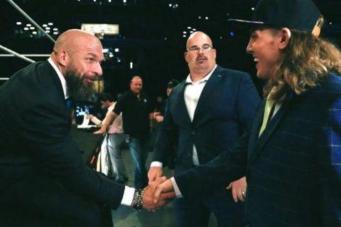 环球冠军罗林斯怒骂NXT某选手是个混球实则原因是什么