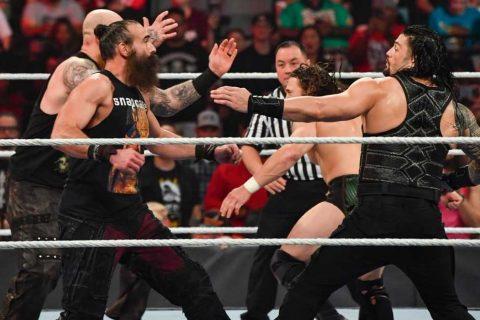罗曼雷恩斯和丹尼尔布莱恩在WWE地狱牢笼大赛上手上