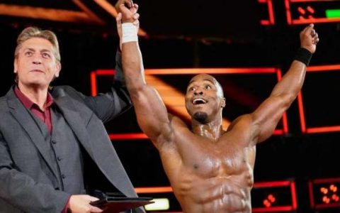 "WWENXT明星乔丹迈尔斯怒喷老麦和HHH""是对黑人歧视吗?"""