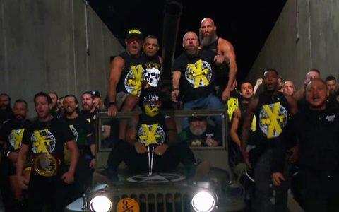SD第1057期:罗林斯率队入侵!两大捍卫者成员面对面 NXT再现恶劣态度时代经典入场
