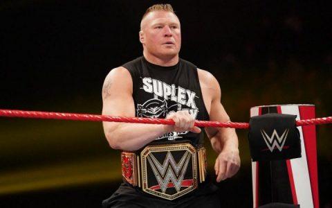布洛克莱斯纳在WWE摔角狂热大赛36上的对手是谁?