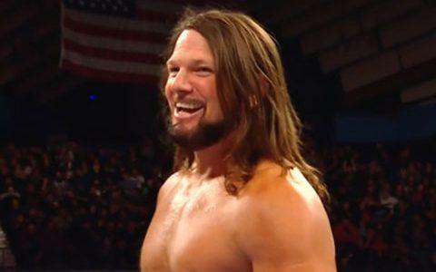 RAW第1383: AJ斯泰尔斯VS神秘人雷尔《全美冠军头衔赛》
