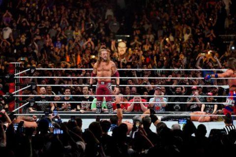 """艾吉在皇家大赛上回归,并""""签署了新的WWE协议"""""""