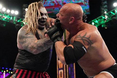 WWE超级巨星战神高柏对战邪神布雷怀亚特
