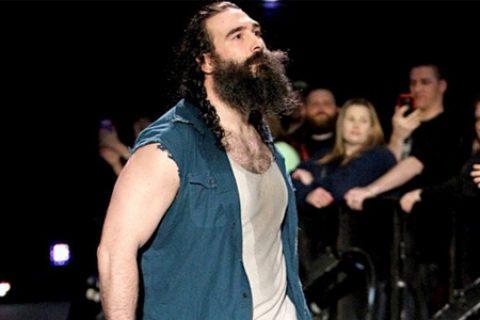 AEW圣尊向莱斯纳发出挑战,称这里不是WWE,不是你说了算!