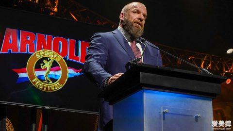 阿诺·施瓦辛格授予WWE Triple H终身成就奖 (12)