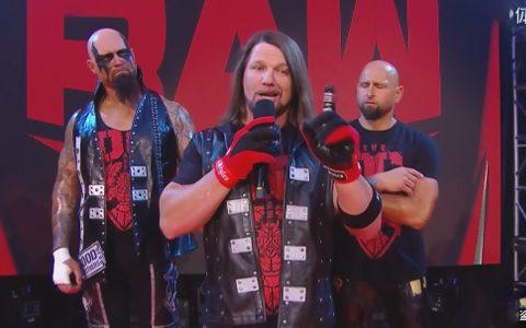 传奇大师被RAW要回?SmackDown被喷剧情没新意!