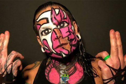 WWE公司已经和杰夫·哈迪续约!
