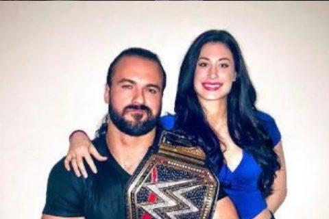 WWE冠军德鲁麦金泰尔继续圈粉,回忆当年与偶像的合照!