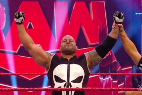 WWE最可怜选手诞生!MVP赢得了十年来的第一场单打比赛