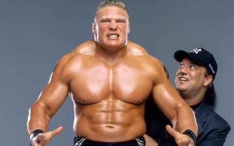 AEW也对这位长相酷似布洛克莱斯纳的选手感兴趣,可惜被WWE抢先一步签约。