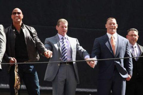 神仙打架!赵喜娜VS.巨石·强森,WWE后台氛围最紧张的那段时间是怎么回事?