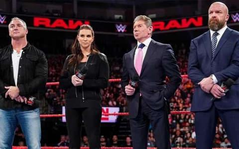 风雨欲来?Triple H夫妇在近期曾大量抛售WWE股票
