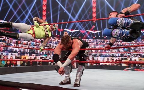 真假多米尼克!Triple H推特称赞多米尼克结果闹出乌龙