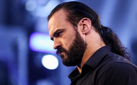 WWE冠军德鲁回忆生涯摔得最痛的一次,害怕TLC大赛又出幺蛾子!