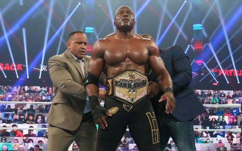 阿波罗无法逾越的大山!时隔多年全能王鲍比再次斩获WWE美国冠军头衔!