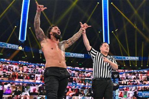 家族之战?大狗罗曼会否在摔角狂热37上击败强森,正式登基成大帝?