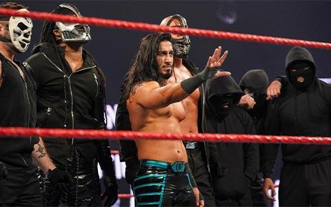 复仇军团女成员被踢出派系!盘点WWE历史上那些选手在伟大派系中昙花一现的时刻!