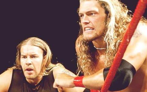克里斯坦表示愿意重组E&C,艾吉能否在WWE狂热大赛37击败德鲁麦金泰尔或罗曼雷恩斯?