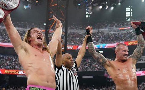 WWE RAW第1474期:马特里德尔为他们的RK老铁组合举办庆功宴